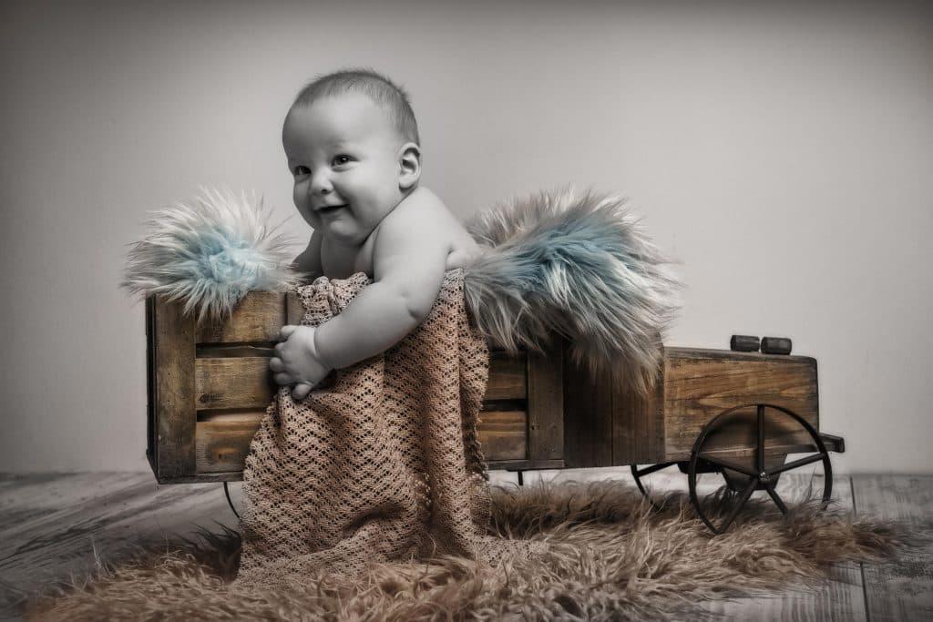 Newbornshooting Monika Kessler aus Vorarlberg zeigt Babyfotos
