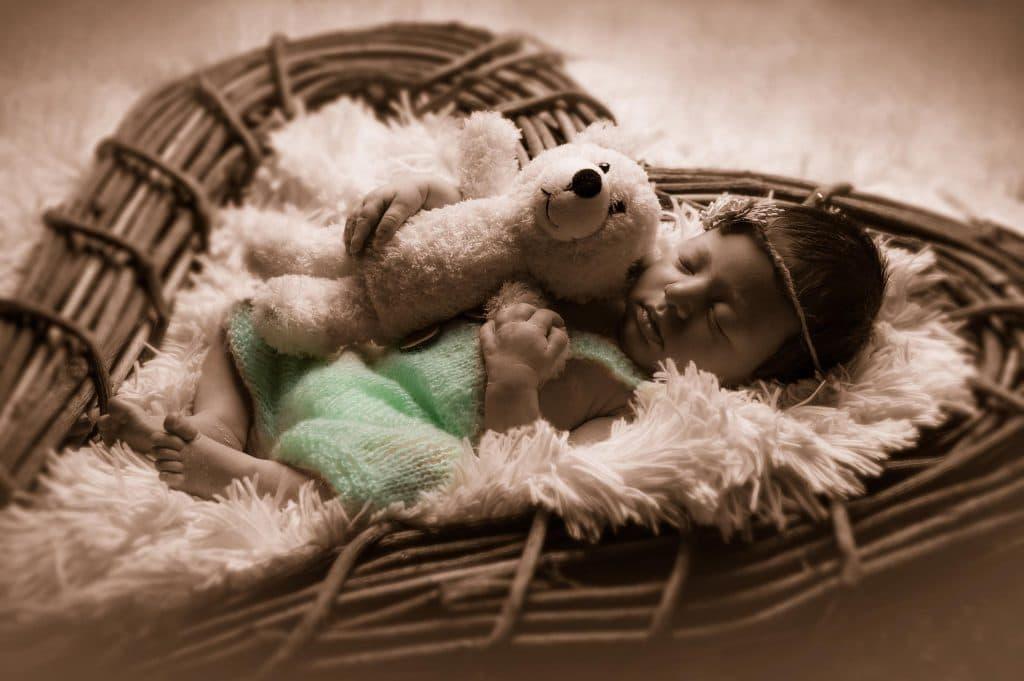 Newborn Photography Monika Kessler aus Vorarlberg zeigt Newbornfotos